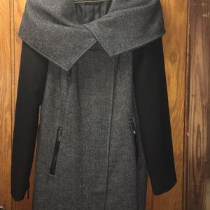Latte Black Charcoal Coat with Pockets and Belt